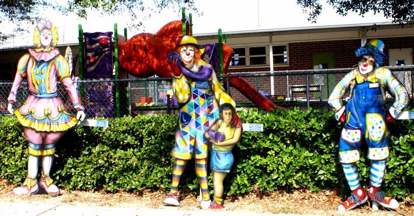 Clowns3schoolplayground38lo