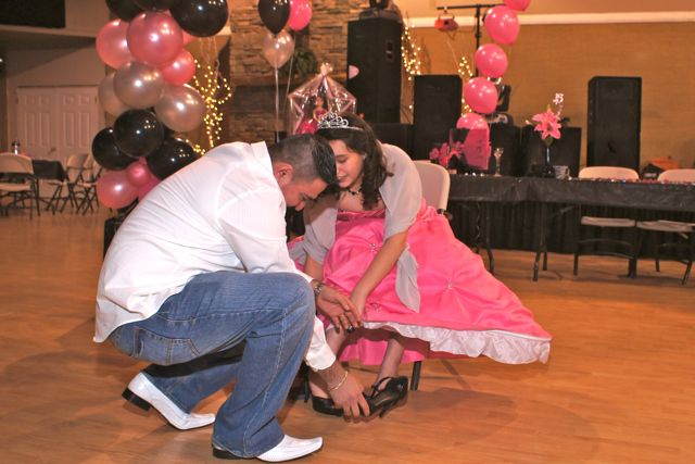 Shoes_change_tradtional_quinceanera