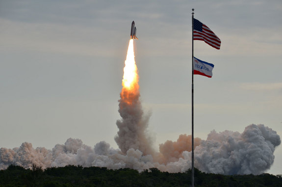 Endeavour-sts134-launch